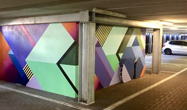 Zo wordt een parkeergarage natuurlijk wel een stuk vrolijker met dit werk van Nase Pop in de parkeergarage De Beurs.