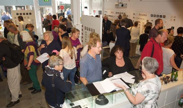 Veel belangstelling voor de expositie 5x5 Small Art