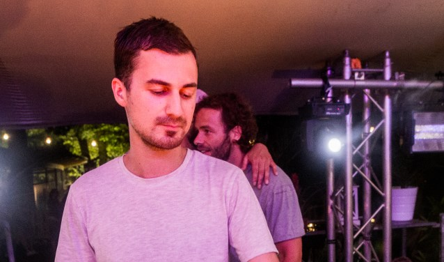 Bas Amro blies enkele jaren geleden bij Atak met succes Basis Grooves nieuw leven in.