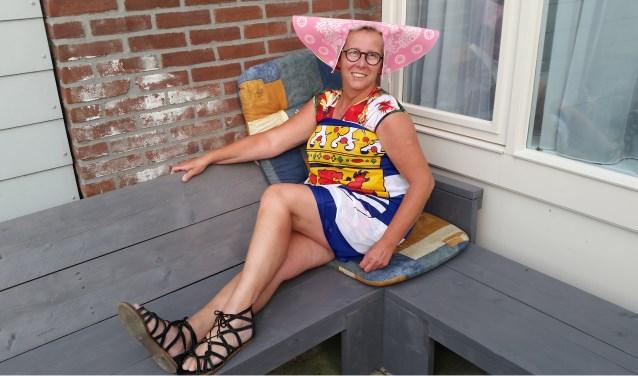 Finie Groenewoud heeft er zin in. Zij loopt volgende week voor de 25e keer de Vierdaagse van Nijmegen, de laatste dag als Zeeuws meisje. Foto: Conny den Heijer