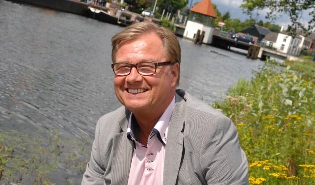 """""""Het gaat er nog steeds om zoveel mogelijk geld bij elkaar te brengen voor de strijd tegen kanker"""", zegt bestuurslid Anne Fokke de Vries. """"125.000 euro is geweldig, alles daarboven nog geweldiger.""""(foto Gert Perdon)"""