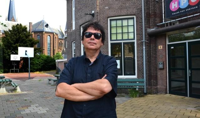 Rob Vondracek van het Haags Pop Centrum, heeft van zijn hobby zijn beroep gemaakt. (Foto: Jos van Leeuwen)