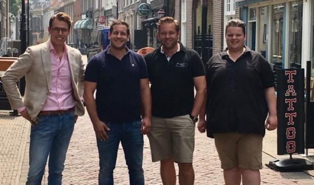 Van links naar rechts: Menno Doppenberg (VVD Harderwijk-Hierden) Merijn van de Beek (Café ome Co) Marcel Lagerweij  (Bar Nicky's Inn) en Martijn Leusink (Café Gauwigheid)
