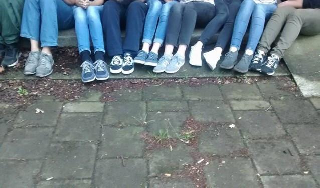 Dit zijn de benen van Theatergroep Jonge Gasten uit Hengelo.