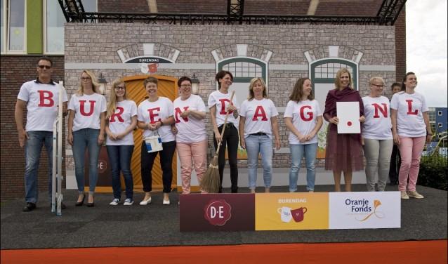 Koningin Màxima gaf in juni in het Drentse Nieuw-Buinen het startsein voor Burendag 2017. De twaalfde editie van Burendag is zaterdag 23 september, ook in Oss en haar omliggende kernen. Kijk op burendag.nl voor een overzicht van de activiteiten. Foto: Oranje Fonds – Bart Homburg