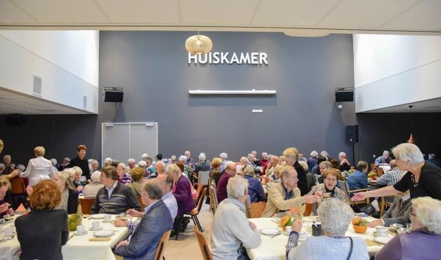 Gezamenlijke lunch van leden van de Vereniging 55+ in Helvoirt in het HelvoirThuis.