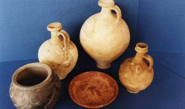 Enkele vondsten uit de Romeinse tijd. (Collectie Stadsarchief Oss)