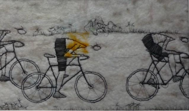 Fragment van het schilderij Wielrenners van Trudi Middelkoop. Zij exposeert tot en met zondag 17 september met vijf andere kunstenaars bij galerie Sous-Terre. Zij hebben hun werk er eerder bij de Kunstbeurs van Noord-Brabant laten zien en komen terug voor een 'tweede ronde'.