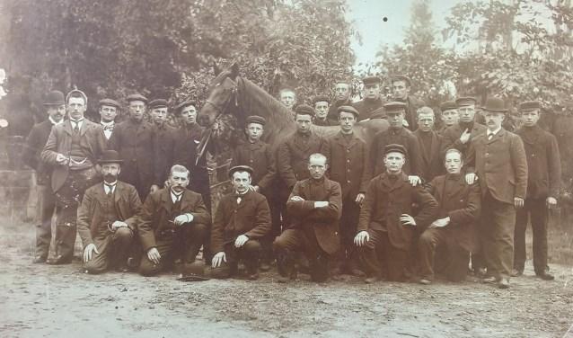 De foto waarop de eigenaressen alleen Job van Steenbergen herkennen. Foto: Oud Bennekom.