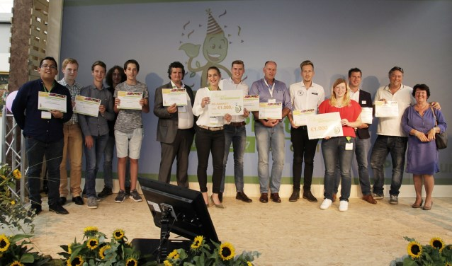 Alle inzenders op een rij met hun prijs voor het Beste Idee Plantarium 2017. FOTO: Plantarium
