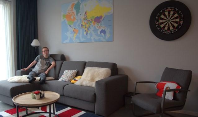 Matthijs in zijn nieuwe appartement. (Foto: Rob Withaar)