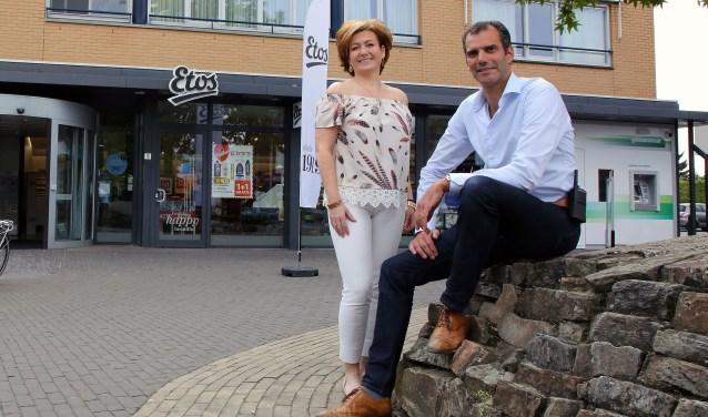 Marisca en Marc heten u namens Winkeliersvereniging Den Hof Welkom op de After Summer Market