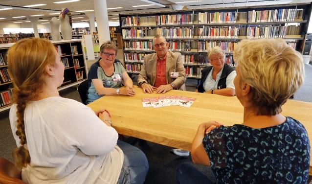 Het team van Salon Oud Roze heet zowel 'vlinder als rups' welkom. (Foto: Bert Jansen).
