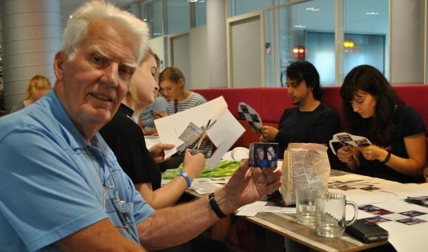 """Kees Oosterling is bestuurslid van Stichting JOW. """"Door het contact met jongeren kunnen ouderen zich verdiepen in een hele andere, interessante wereld. En datzelfde geldt voor de jongere. Dat is wat het allemaal zo leuk maakt."""""""