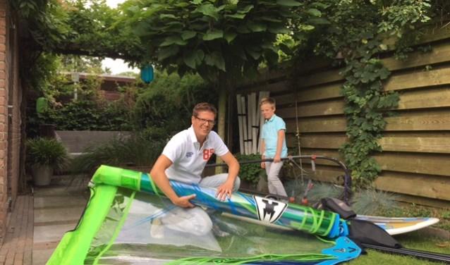Windsurfen is een van de hobby's van Martijn.