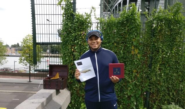 Tyrell wint gouden Playstation met zoektocht door Rotterdam. Foto: Poehao