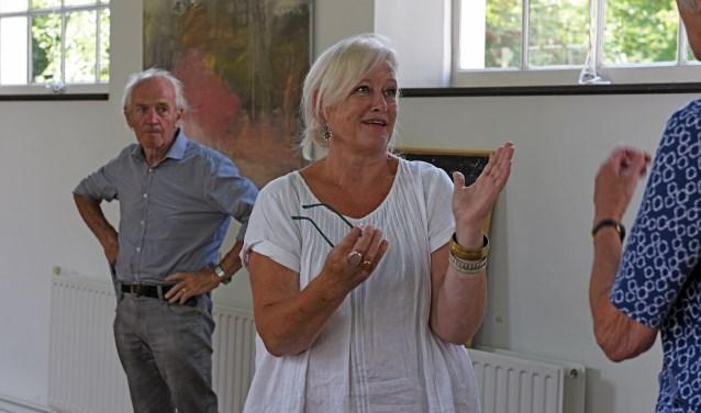 Vol enthousiasme vertelt Wien de Graaf elke keer opnieuw aan de vele honderden bezoekers haar verhaal: 'het gaat wel over je eigen werk, hè!'