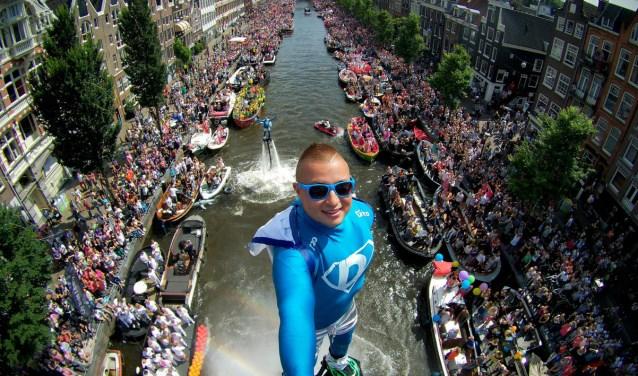 Een van de publiekstrekkers dit jaar is Bo Krook, flyboarder die spectaculaire shows geeft.