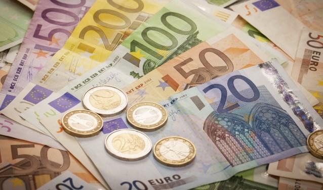 Staatssecretaris Klijnsma heeft een programma gelanceerd dat er voor zorgt dat er t/m 2020 jaarlijks een bedrag van 100 miljoen euro extra beschikbaar is voor kinderen die opgroeien in arme gezinnen.