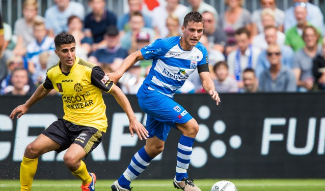 Erik Bakker in de met 4-2 gewonnen seizoensopener tegen Roda JC. (foto: Henry Dijkman)