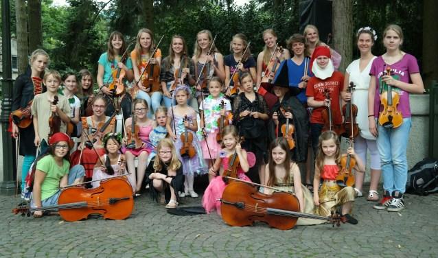 Groepsfoto vioolschool Fiedelino uit Drunen.
