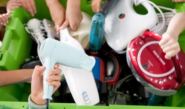 Tijdens de actieperiode worden alle leerlingen en hun ouders aangemoedigd om zoveel mogelijk (oude) kleine elektrische apparaten in te leveren. (foto: Wecycle)