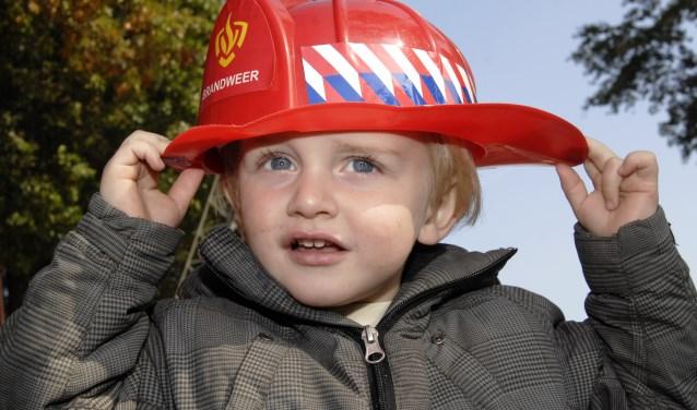 Dat is leuk: Zondag is er bij de brandweer in Hengelo een Brandweer Kids Event met veel activiteiten. Foto: Michiel van de Velde/Tubantia