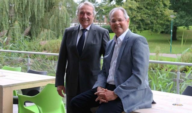 Voorzitter Albert Wegen (l) en voorganger Michael Gorsira: 'Eigenlijk hebben wij meer over voor mensen, dan voor 'stenen'' FOTO: Hanny van Eerden