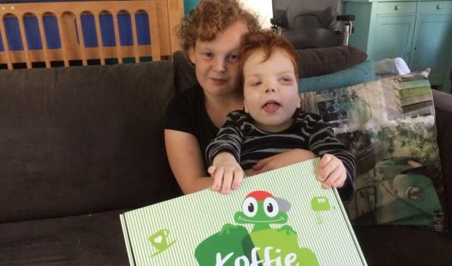 Lotte en Luuk wensen andere kinderen ook een fantastische Opkikkerdag toe! Kom je ook op de Koffie Morning?
