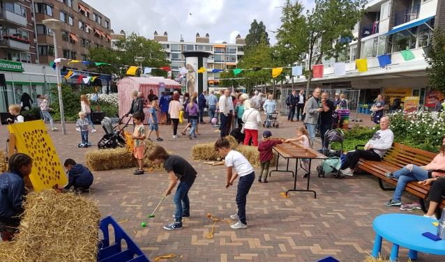 Lekker aan de slag op het plein! (Foto: gemeente Den Haag)