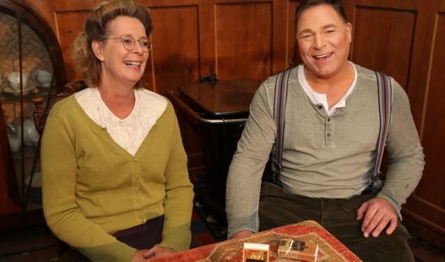 De hoofdrolspelers Jan en Koosje Teunissen (Peter Verhoeven en Anne Marie Raaijmakers). (Foto: Marco van den Broek)