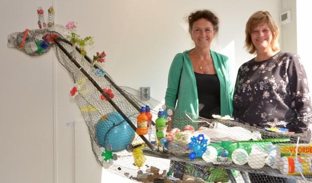 Zoetermeerse kunstenaars maken van afval kunstvoorwerpen. Foto: Fati Daut.
