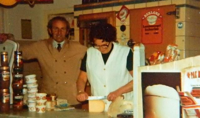 Melkinrichting 'De Ridder' was gevestigd aan de voormalige Emmastraat 21. Foto's uit het archief van de familie Van de Munt.