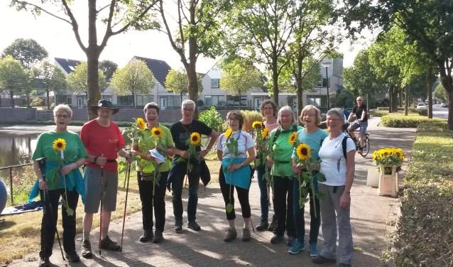 Deze deelnemers aan Wandelen voor Hospice Berkenstein van vorig jaar zetten ook op 16 september hun beste beentje voor om opnieuw deze hospice te steunen. (Foto: Leo Lansbergen)