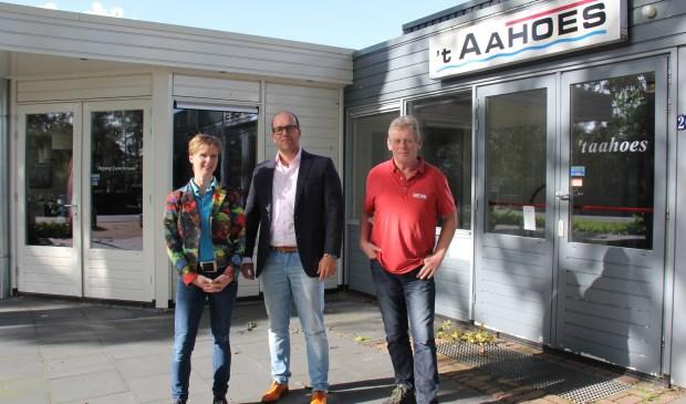 V.l.n.r.: Esther Baks (secretaris), voorzitter Michael van Oostveen en beheerder Henk Grotenhuis