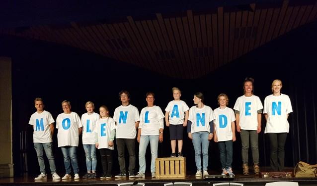 De naam Molenlanden werd onthuld voor de gemeenteraadsvergadering maandagavond. (Foto: Fleur Cornelissen)