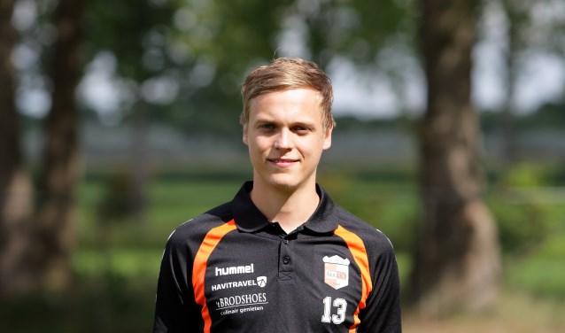 Patrick Smelt maakte zijn debuut als rechtsbuiten. Hij scoorde bijna de 3-0 vanuit een corner.