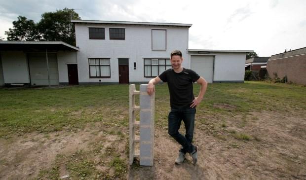 Wilco Rensing van het Lichtenvoordse bouwbedrijf Rensing Bouw wil 8 comfortabele seniorenwoningen en 2 appartementen bouwen aan de Raadhuisstraat in Lichtenvoorde.