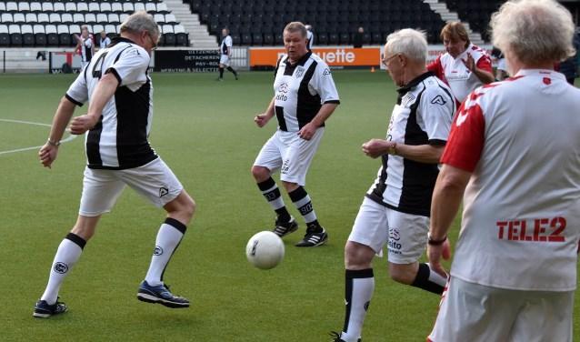 Wie alles wil weten over Walking Football bij Heracles Almelo is op dinsdag 12 september welkom tijdens een informatieavond.