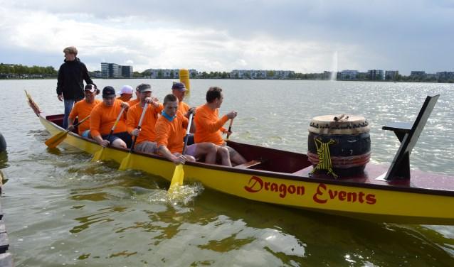 Veertien team kwamen er zaterdagmiddag op de Binnenschelde in actie tijdens de Drakenbootrace. Foto: Timo van de Kasteele.
