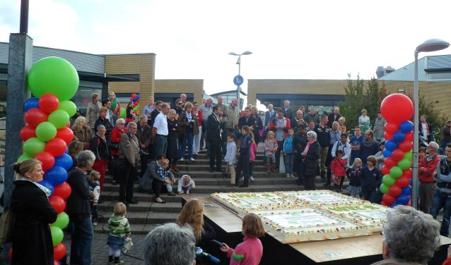 jarig op 9 september 3B Krant   Jarig Berkel Centrum trakteert op taart zaterdag 9  jarig op 9 september