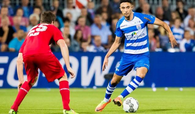 Younes Namli in actie tegen FC Twente. (foto: Henry Dijkman)