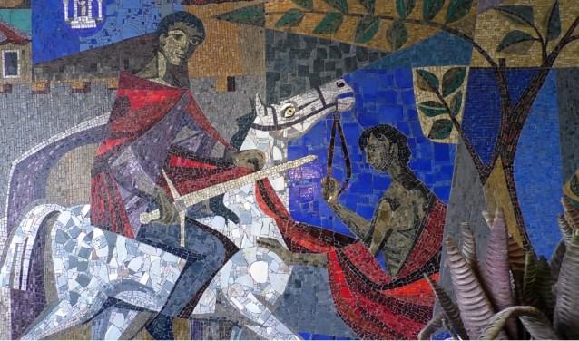 Het kunstwerk zoals het zich nu is bevindt aan de muur in de hal van Bouwmensen Almelo