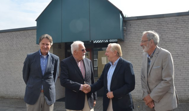 v.l.n.r. Peter Knobbout, voorzitters  Jan Willem Wijnands (Willem van Abcoude Stichting) en Jaap Remme  en Ben Dik (Hospice Duurstede)