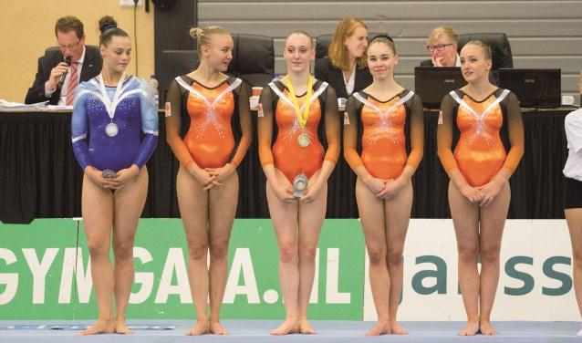 De Nederlandse turntop in Duiven. V.l.n.r.: Elze Geurts, Lieke Wevers, Tisha Volleman, Eythora Thorsdottir en Sanne Wevers. (Foto René Nijhuis Fotografie).