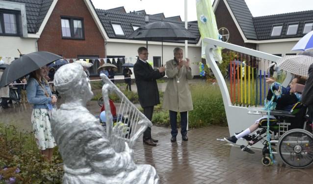 In de tuin van Maasheim onthulde burgemeester Borgdorff met de bewoners een beeld van de Bijbelse persoon David met de harp. Ook is een grote harp geplaatst die door de bewoners bespeelbaar is.