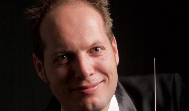 Egon Smit is de nieuwe dirigent van Crescendo. (Foto: Privé)
