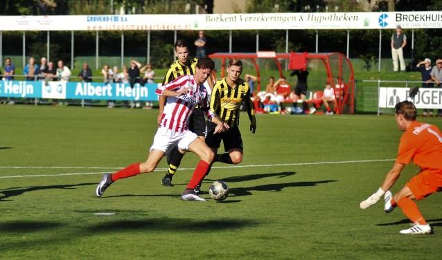 Bennekom had moeten scoren tegen WNC, maar kwam ook diverse keren in de problemen. (foto: gertbudding.nl)