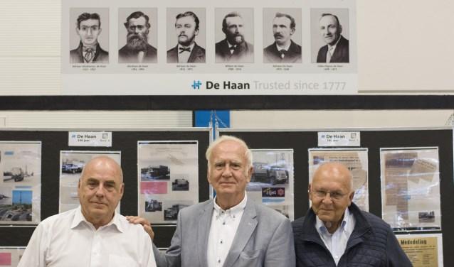 De broers (v.l.n.r.) Bert, Wim en Martin de Haan waren bij de opening van de expositie aanwezig. (Door Ria Scholten)