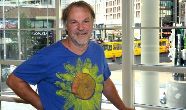 Hans Spekman in de Centrale bibliotheek aan het Spui. (Foto: Jos van Leeuwen)